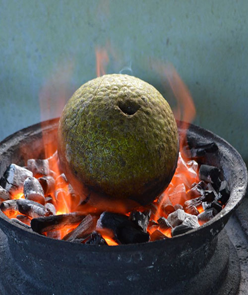 1roastbreadfruit.jpg